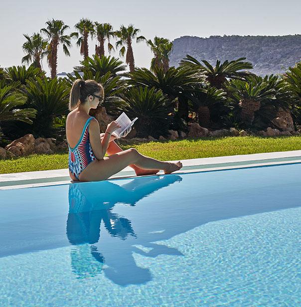 Luxury Resort Hotel in Rhodes - Queen's Maisonette private pool
